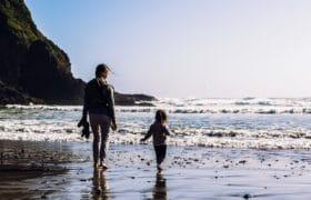 beach-child-daughter-2405903